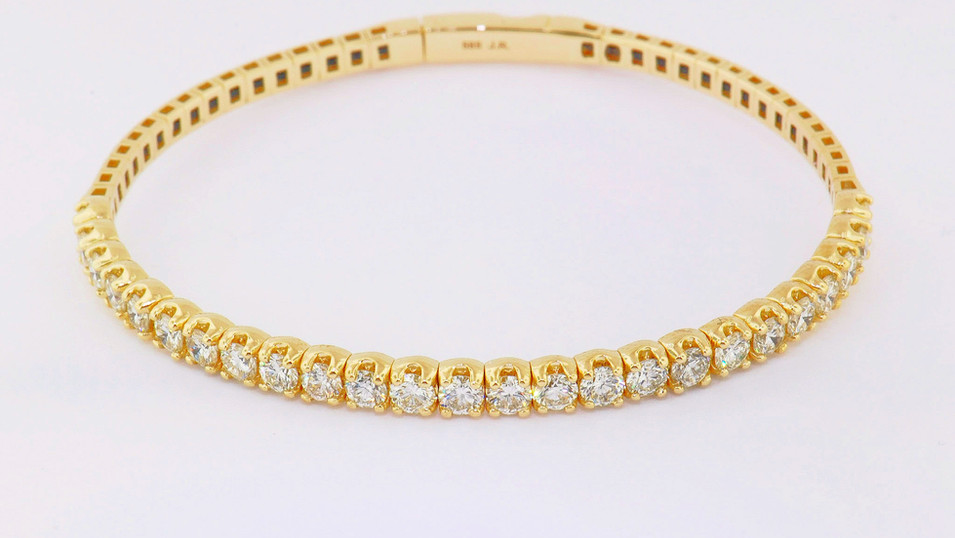 14k yellow gold, 3.13ct total weight diamond bangle