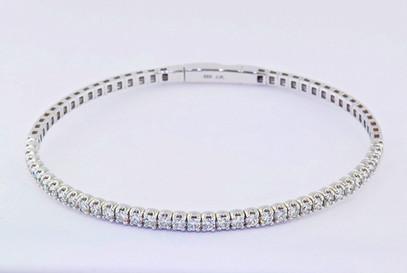 14k white gold, 1.71ct total weight diamond bracelet