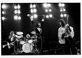 Queen_RainbowTheatreLondon1974_070b(c)Mi