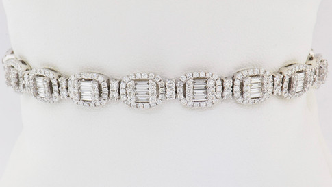 18k white gold, 3.15ct total weight, round diamonds, baguette diamonds, micro pavé and prong set bracelet