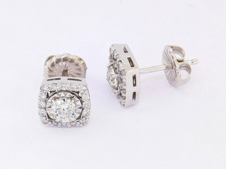 14k white gold .75ct total weight diamond stud earrings