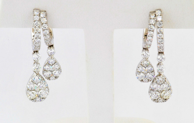 18k white gold 2.88ct total weight diamond earrings