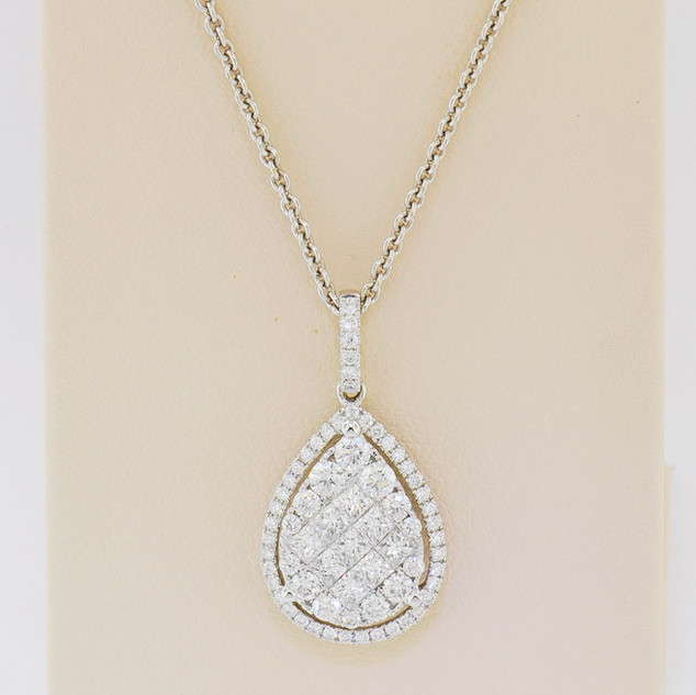 18k white gold, 1.07ct total weight diamond pendant