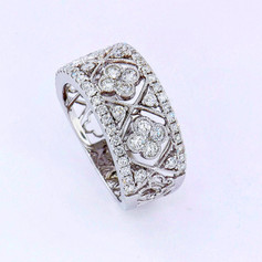 14k white gold, 1.03ct total weight round diamonds, center clovers are invisible set