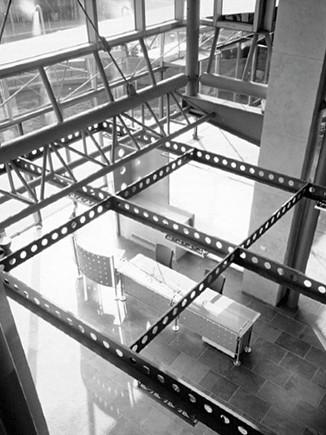 太平洋光電大樓_大廳金屬桁架