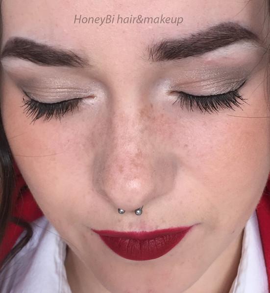 eyes makeup 2.jpg