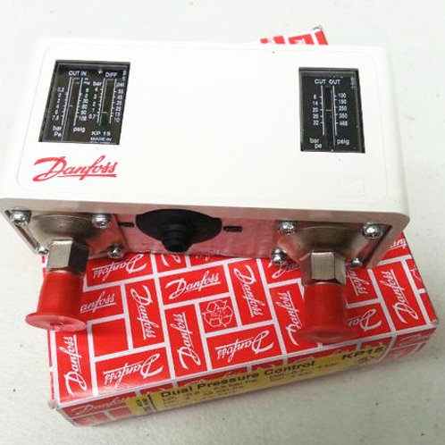Danfoss Dual Pressure Control Auto Reset KP15 060-12656 with two connectin pipes