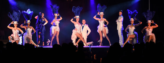 Cabaret plumes.jpg