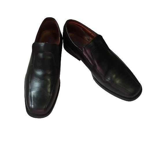 Left & Right Men's Black Shoes Size 46