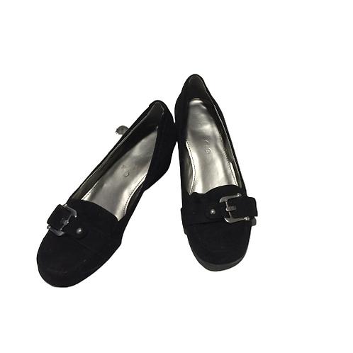 Unisa Ladies Black Shoes Size 7.5M