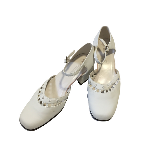 Highlights Ladies White Shoes Size 9.5