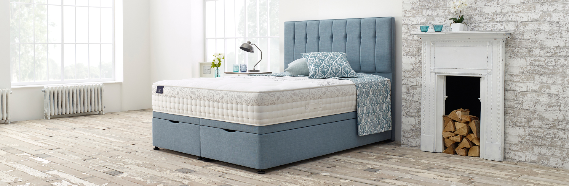 Silver Seal Bed by Slumberland at Nigel Byroms.jpg