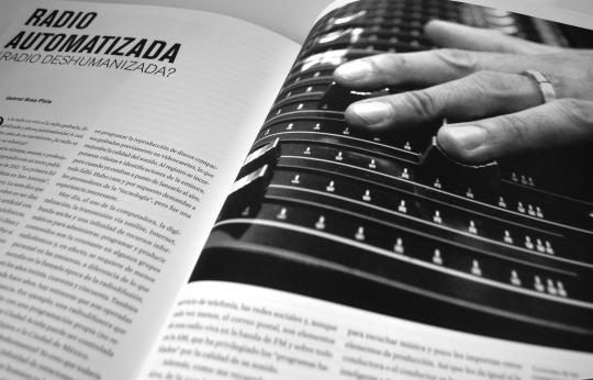 La formación del libro consiste en buscar la armonía y concordancia entre el texto y la imagen que lo acompaña.