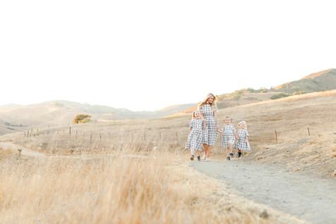 mother-daughter-matching-johnson-ranch.j