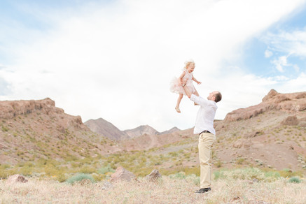 daddy-daughter-throwing-photography.jpg