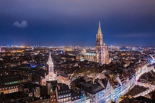 Grande île de Strasbourg la nuit