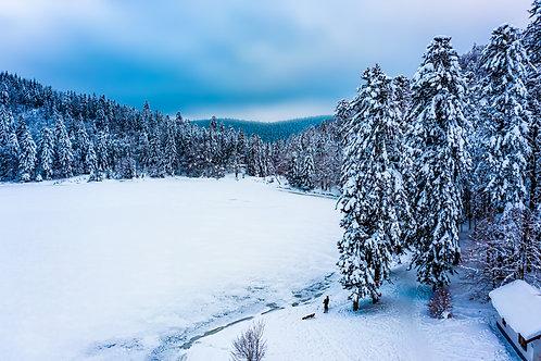 Le lac de Blanchemer sous la neige