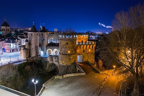 La porte des allemands de Metz la nuit