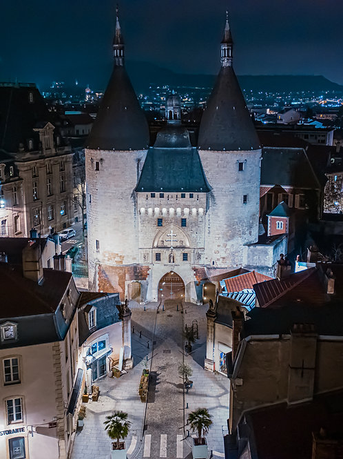 Porte de la Craffe de Nancy la nuit