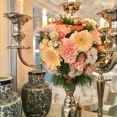 Firmen Weihnachtsessen dekoriert von GNC Luxury Invitations & Design
