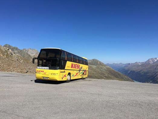 Unser Bus am Gletscherparkplatz