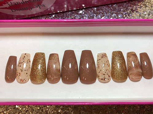 Nude & Gold Nail Set