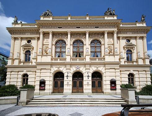 Liberec_divadlo_F._X._Šaldy_1.jpg