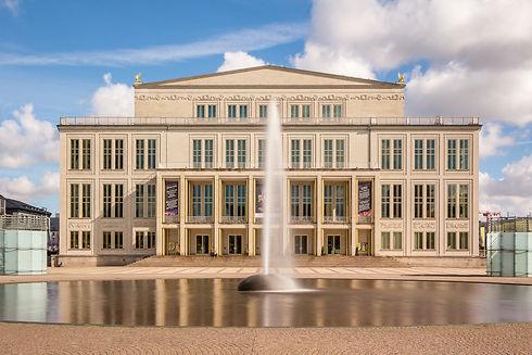 Opernhaus_Leipzig_Langzeitbelichtung_Tag