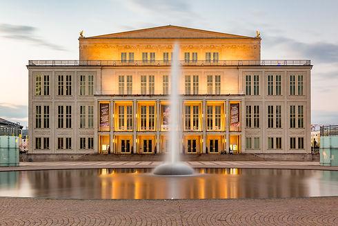 Opernhaus_Leipzig_Abend_Nacht.jpg