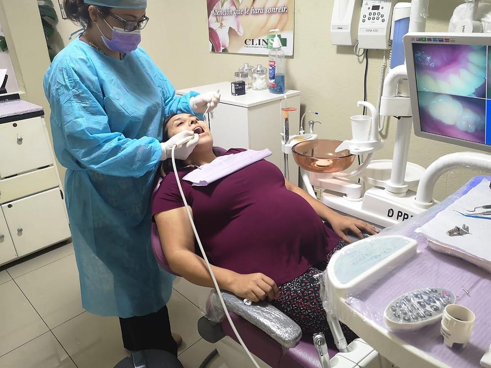 Sakud bucal durante el embarazo