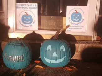 Supportive Food Allergy Parents make Halloween Awesome