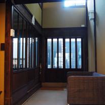 玄関-02.jpg