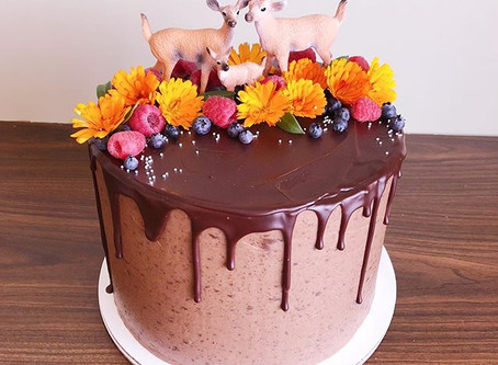 Woodland-Inspired Gender Reveal Cake