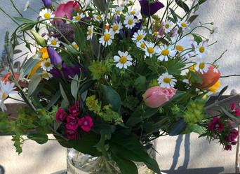Frühlingsblumenstrauss zu Ostern - Lieferung und Abholung.