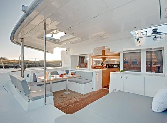 sailing-santorini-LAGOON-450-10.jpg