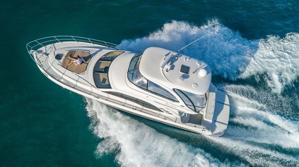 52-SeaRay-Yacht-0004.jpg