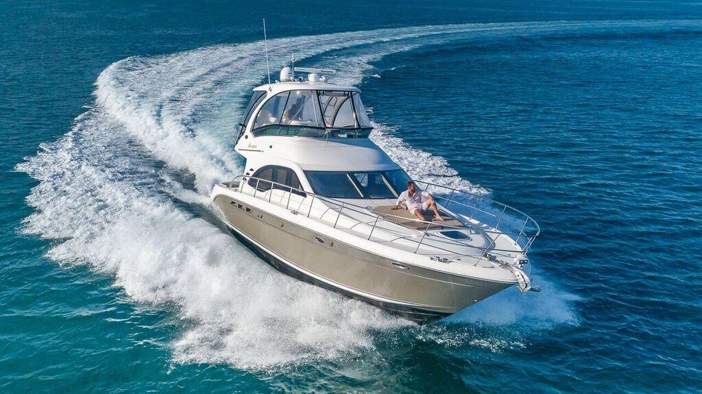 52-SeaRay-Yacht-0001.jpg