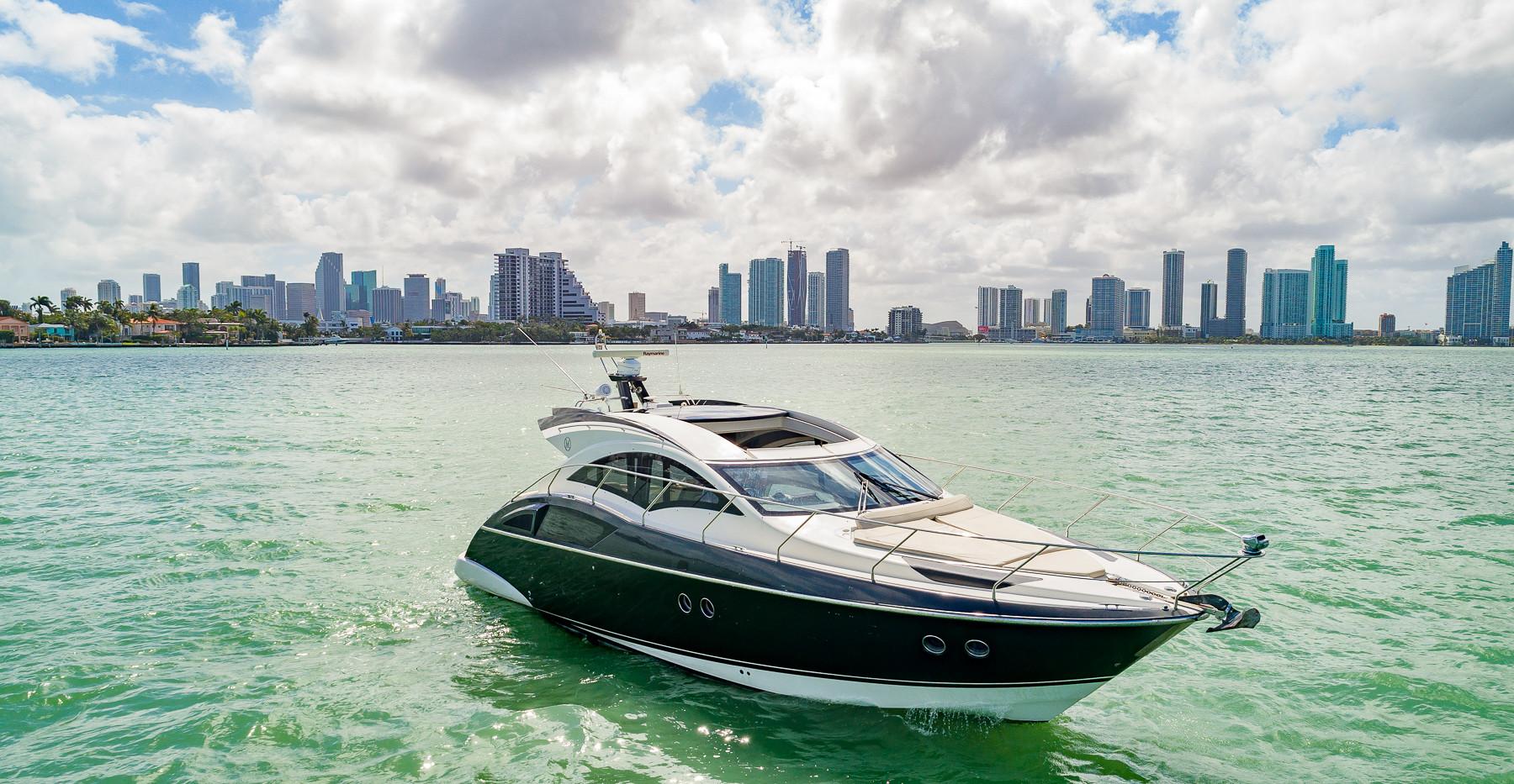 43-marquis-yacht-image-09.jpg
