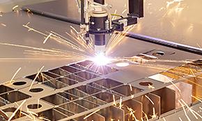 工業用潤滑油の販売から、工場・事務所の設備施工まで、企業設備をバックアップ