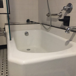 The tub in Periwinkle