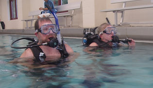 Bette and Pal in SCUBA class