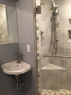 Room Zzz bath