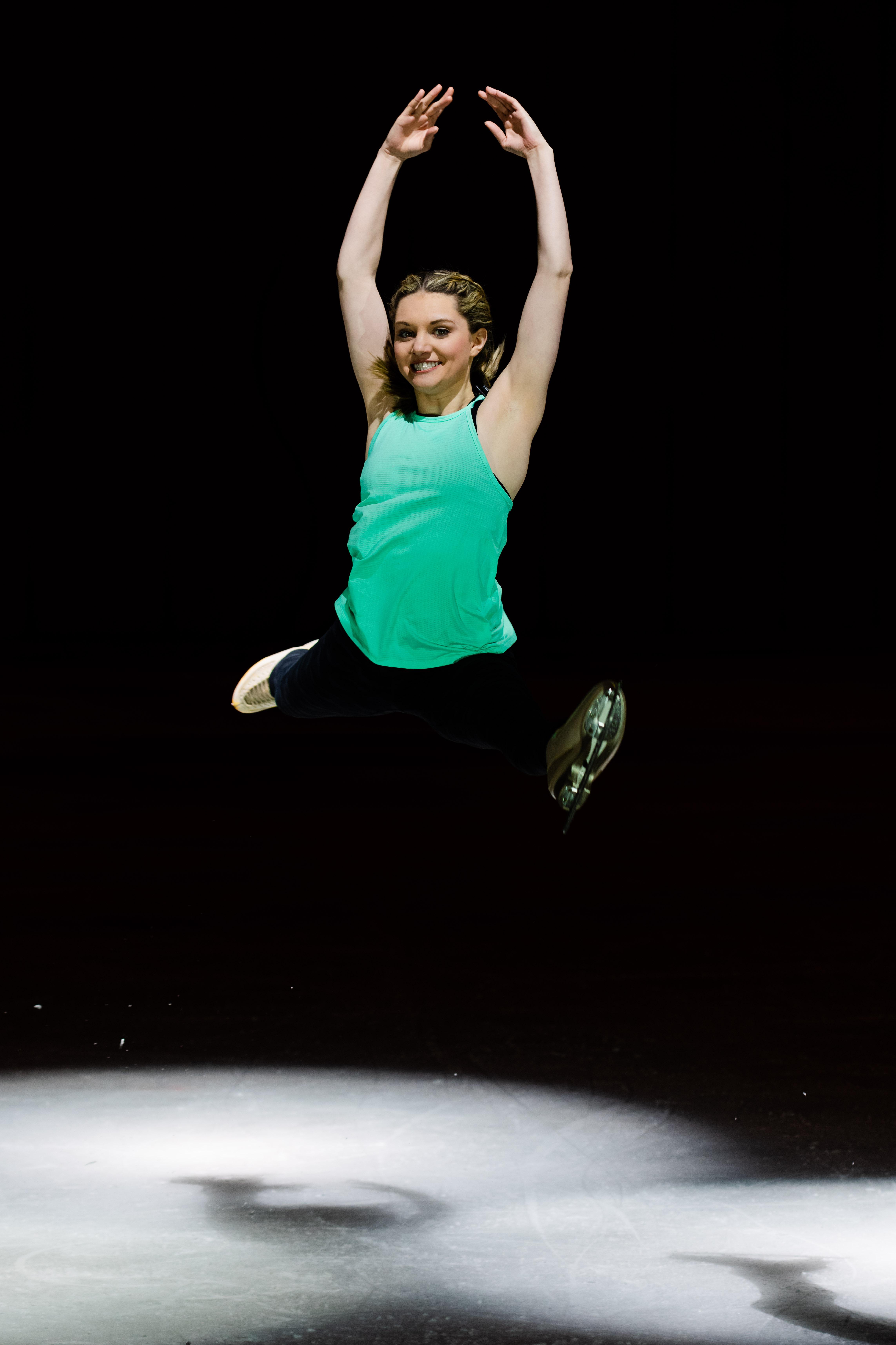 Lexi Split Jump