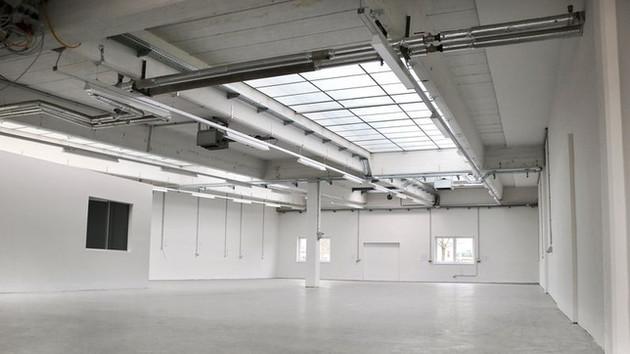 PERFEKTASTRASSE 89 - HALLE 1-3 - GENERALSANIERUNG - Büro und Industriehallen