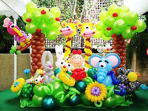 balloon-garden-display-at-vip-house.jpg