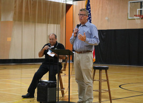 Hultgren holds town hall meeting in Yorkville ahead of November general election