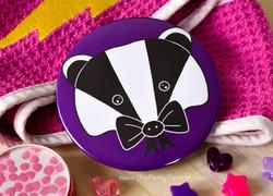 www.thePerkyPainter.com Pocket Mirror Bow badger 3