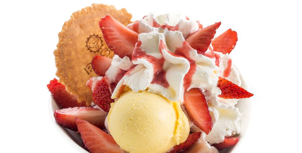 fragole con gelato e panna