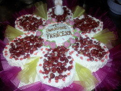 Margherita Charlotte crema panna e gocce di cioccolato con frutti di bosco