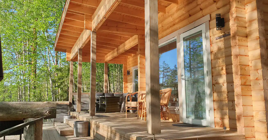 Saunabuilding with terrace.
